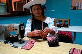 Michelle Cornejo - Huarmi Maqui - Peguche, Ecuador