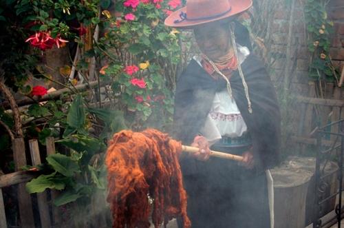 Michelle Cornejo - Huarmi Maqui 6 - Peguche, Ecuador