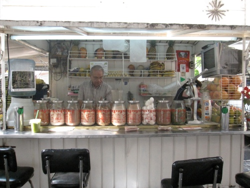 Hayden - Mexico - Fruit juice stand in Mexico City