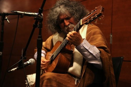 Manuelcha Performs a Free Public Concert