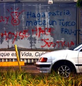 En Honduras, se le llama turco a las personas de origen árabe que, llegaron hace muchos años y se han establecido con negocios e inversiones. Una de las cosas que la gente común rumora, desde siempre, es que